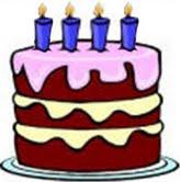 Imaxe dunha tarta decorada con 4 velas