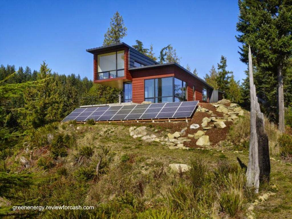 Casa rural sustentable con paneles fotovoltaicos