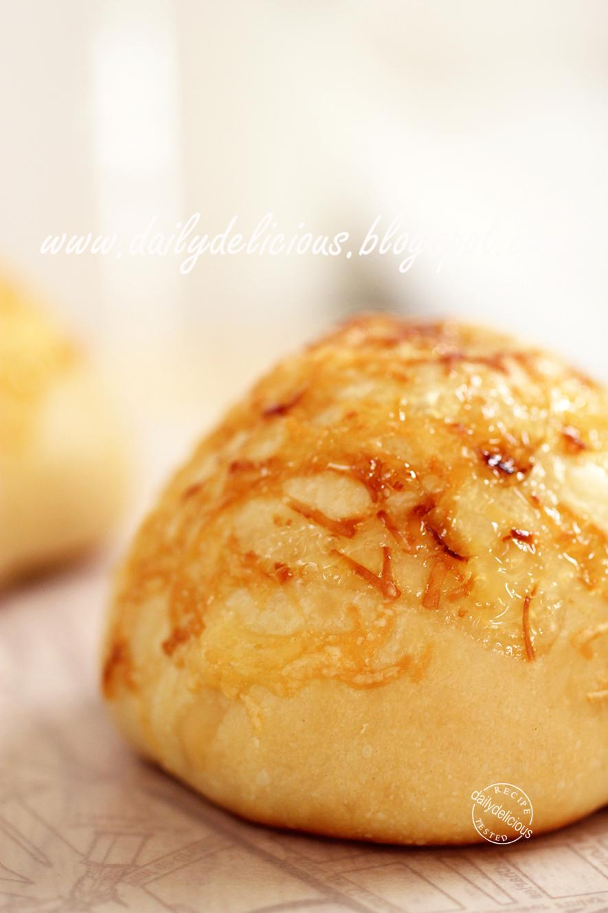 dailydelicious: Cheddar cheese buns: Sweet and salty soft ...