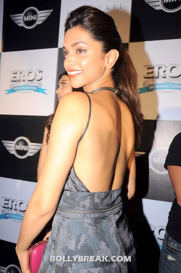 Deepika bare back hot pic -  Deepika, Diana and Saif @ 'Cocktail' party