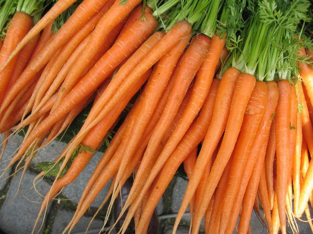 manfaat buah wortel