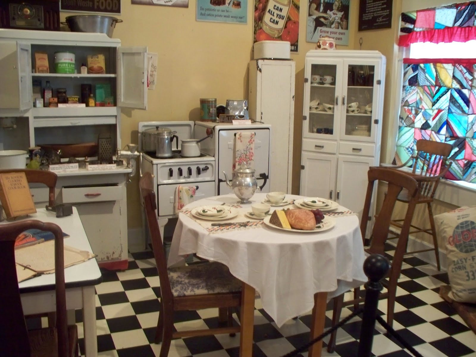 1940s Kitchen Decor Viewing Gallery