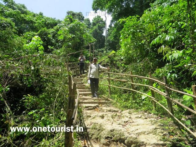 limestone caves trekking ,baratang , andaman ,प्राकृतिक चूने पत्थर की गुफाऐं , बारातांग , अंडमान