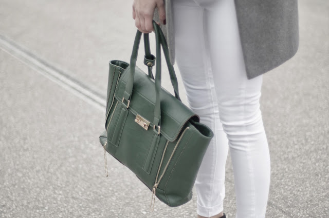 zara oversized coat, grey coat, phillip lim pashli bag lookalike, green pashli, white pants outfit, ootd, fashion blogger, style blogger, fashion trends