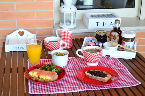 La chica de la casa de caramelo desayuno en la nueva casa - Desayunos en casa ...