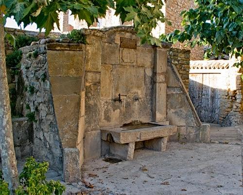 Fuente de la plaza de Sant Martí de Canals