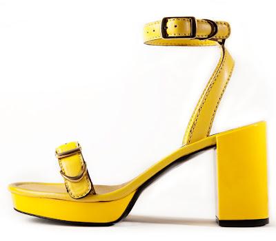 05 sandals Босоніжки: прикраса для жіночих ніжок