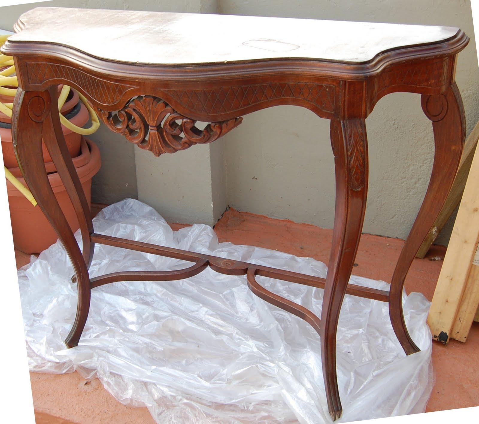 Naifandtastic decoraci n craft hecho a mano for Consolas antiguas muebles