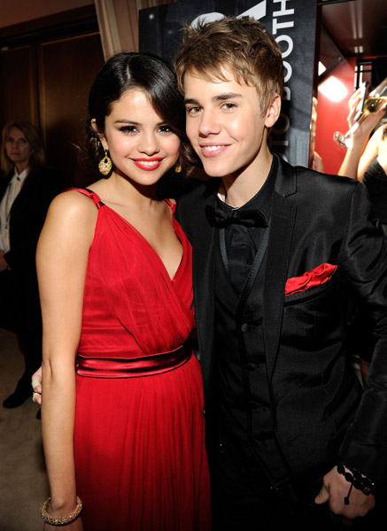 did justin bieber and selena gomez break up 2011. Apparently Justin Bieber and