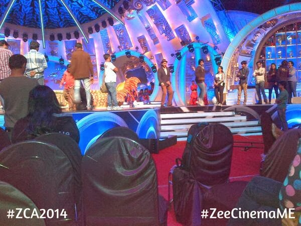 Deepika with Ranveer Singh rehearse for Zee Cine Awards