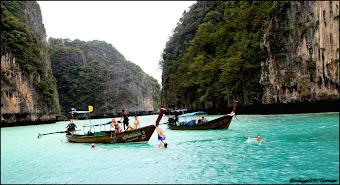 Maya Bay Island, Phuket Thailand