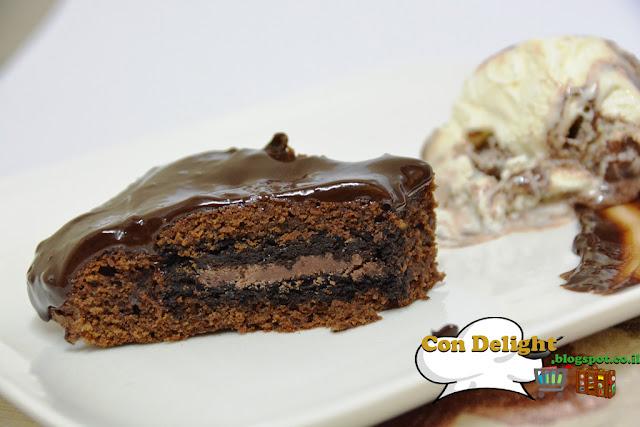 עוגת שוקולד במילוי עוגיות אוריאו