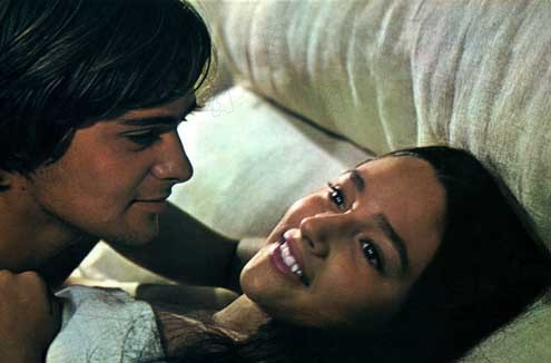from Elian olivia hussey romeo and juliet bed