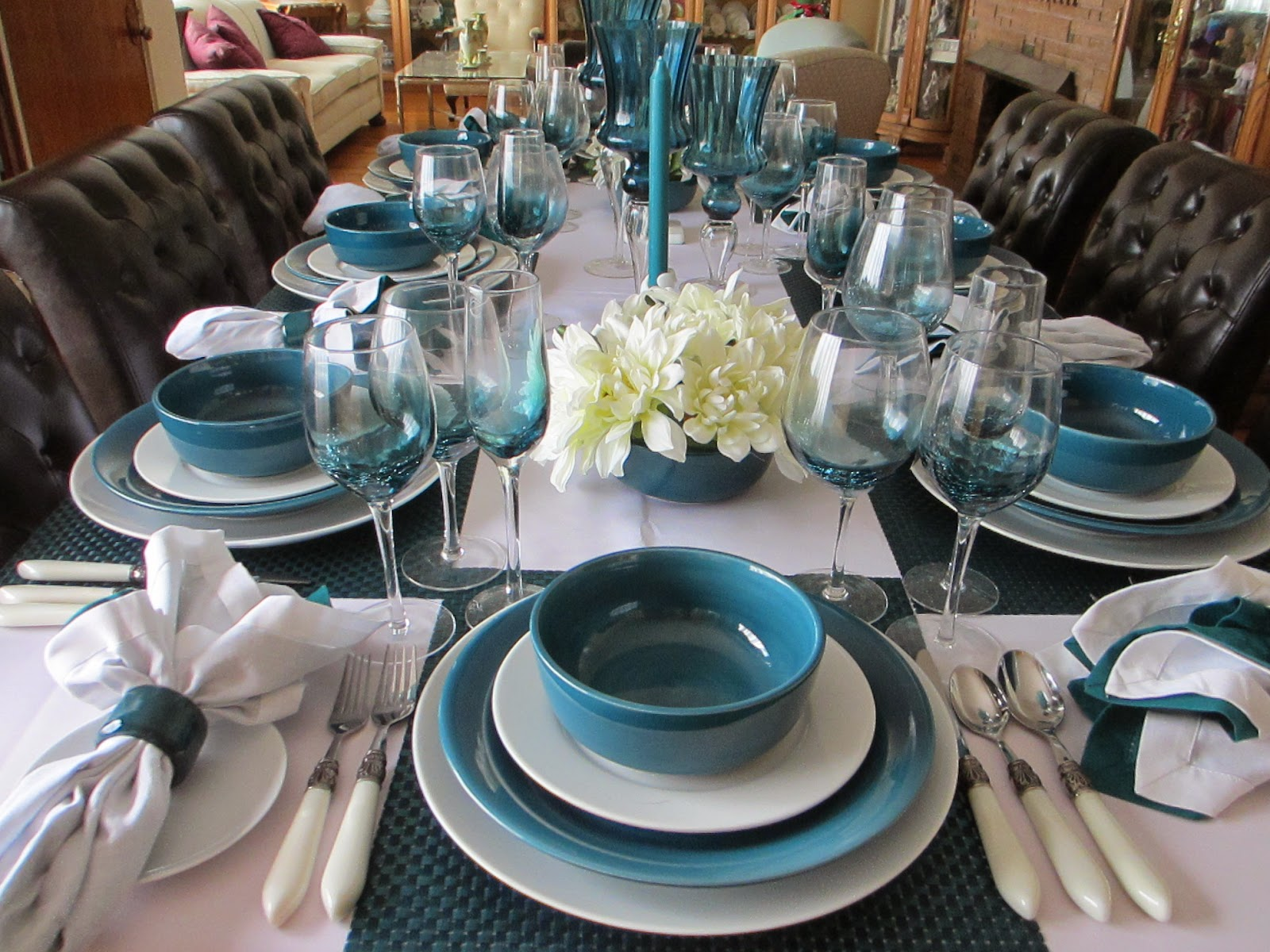 Over view of the table & The Welcomed Guest: Teal and White Tablescape