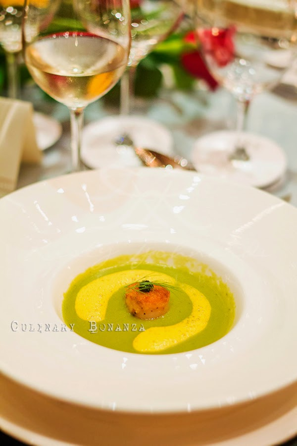 Green peas soup with parmesan scallop gratin and caviar