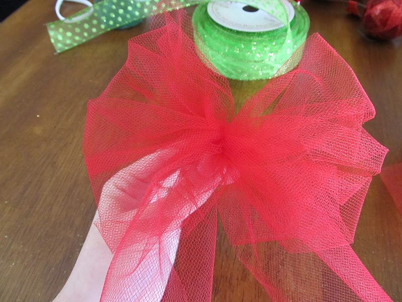 christmas wreath grits giggles sugar bee crafts - How To Make Christmas Bows Out Of Ribbon