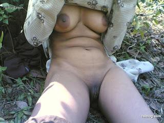 Malay women   Rashidah bogel dalam hutan melayu bogel.com