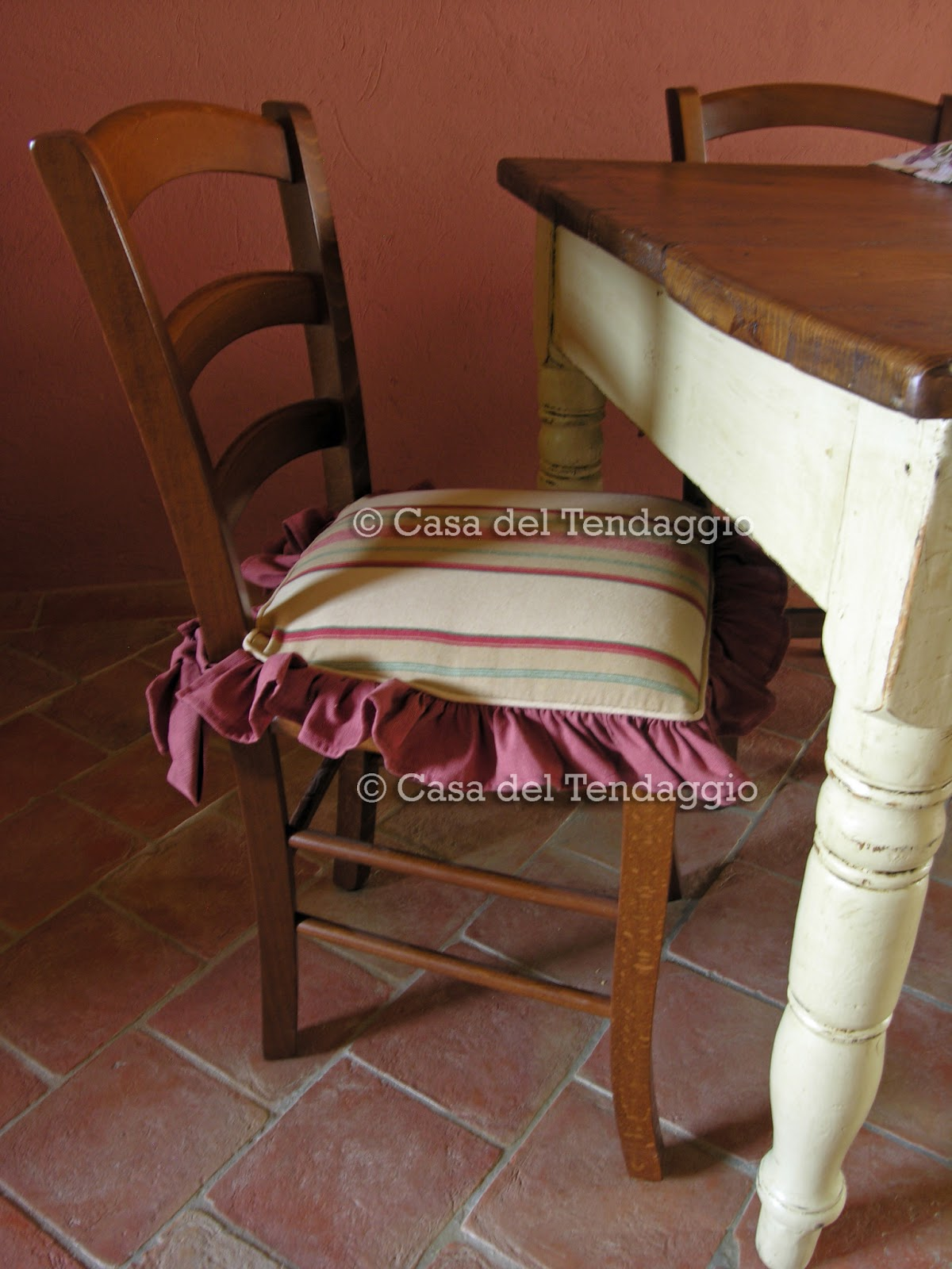 Cuscini country per sedia for Cuscini eleganti per divani