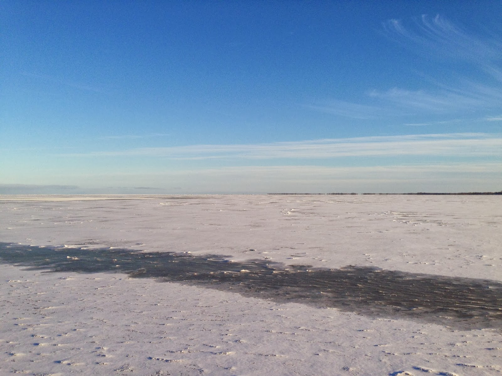Jason hamilton outdoors lake winnipeg ice conditions nov for Lake winnipeg ice fishing