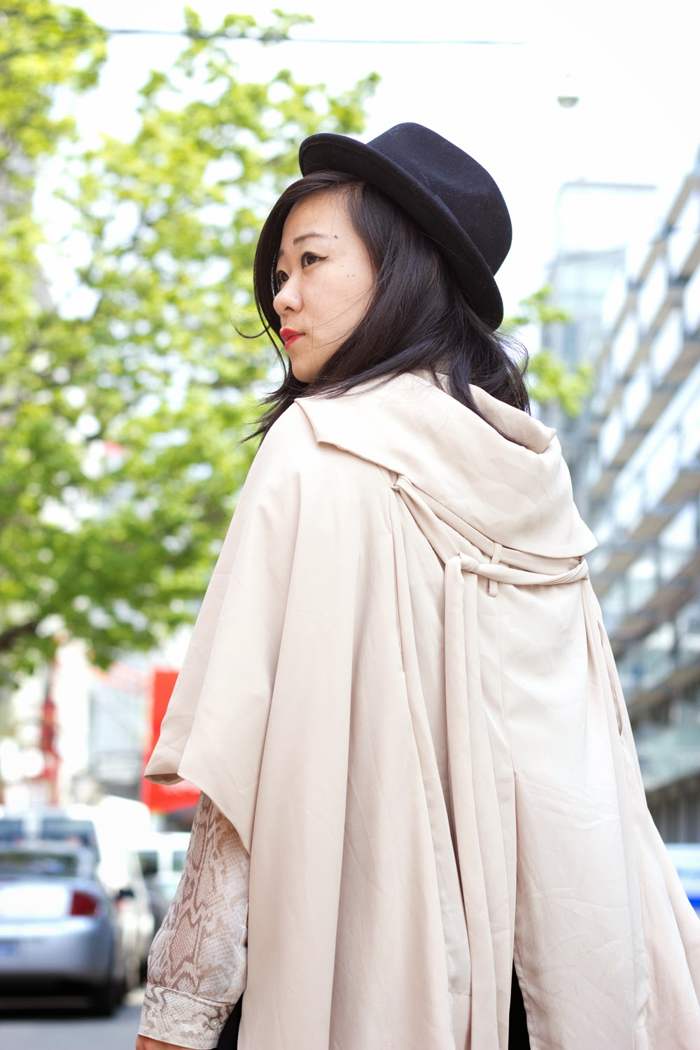 music-festival-look, fedora-hat, chiffon-trench-coat