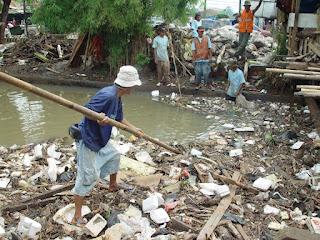 Penyebab pencemaran air di sungai, tanah, dan laut