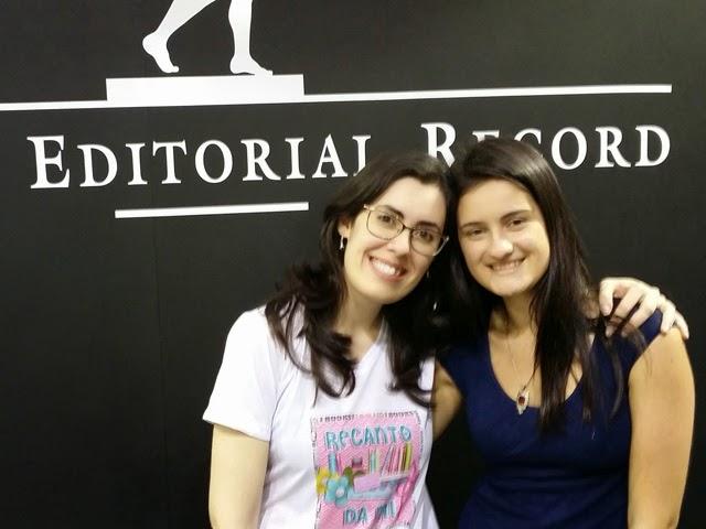 Visitando estandes parceiros e tietando autores nacionais na Bienal de SP 2014