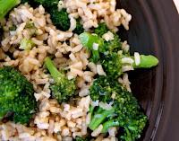 Arroz Integral com Brócolis e Mostarda Dijon (vegana)