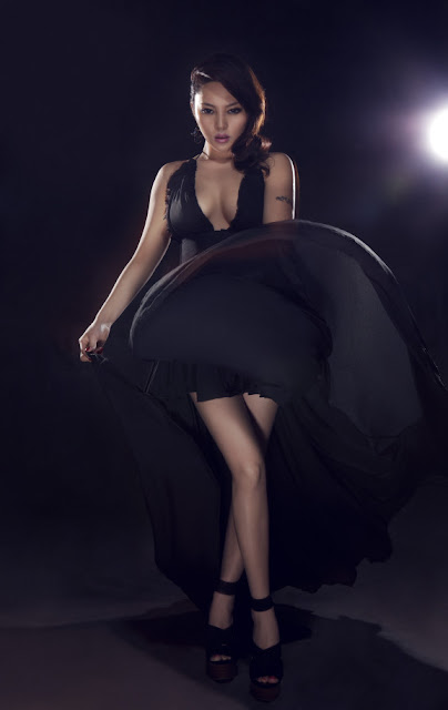 Ping Yuzhi secret in black dress