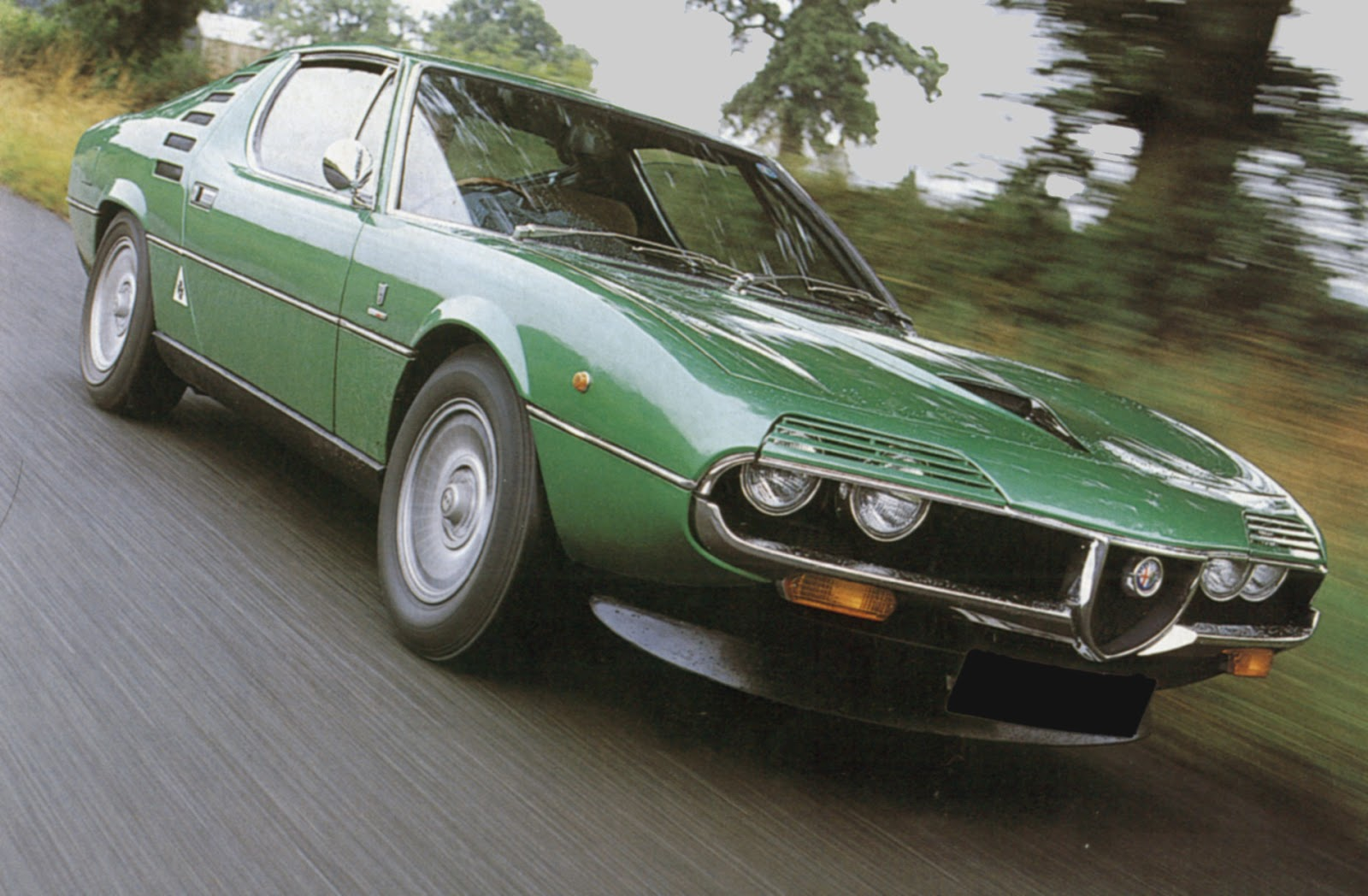 Red Hot Italians Alfa Romeo Montreal 1970 1977 Phscollectorcarworld Ignition Timing There Were Few Options Available Air Conditioning Power Windows And Metallic Paint
