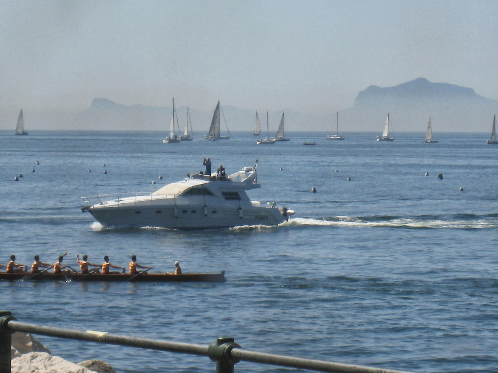 Boat-Racing-Challenge-at-Naples-Italy-Beauty-of-Italy