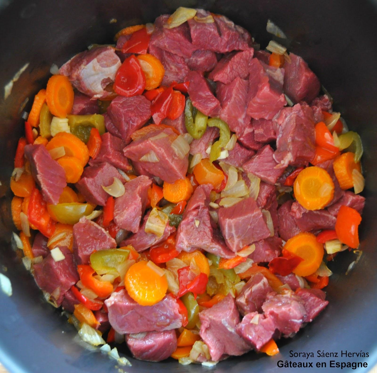 G teaux en espagne recette de rago t de boeuf et l gumes - Comment cuisiner du jarret de boeuf ...
