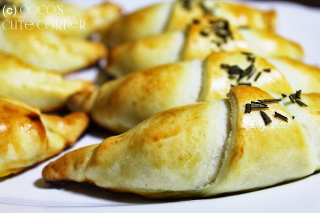 Croissant filled with Olives and Goat Cheese