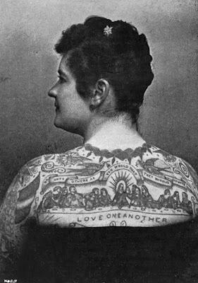 Emma deBurgh foi uma das primeiras mulheres tatuadas dos EUA