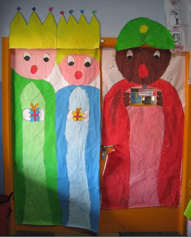 Manualidades del colegio el salvador puertas navide as 1 for Puertas decoradas de navidad trackid sp 006