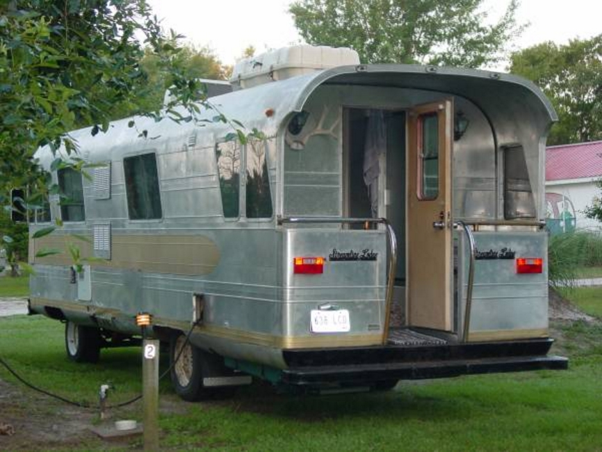 Adventures with dear miss mermaid child of the planet rv for Classic motor homes for sale