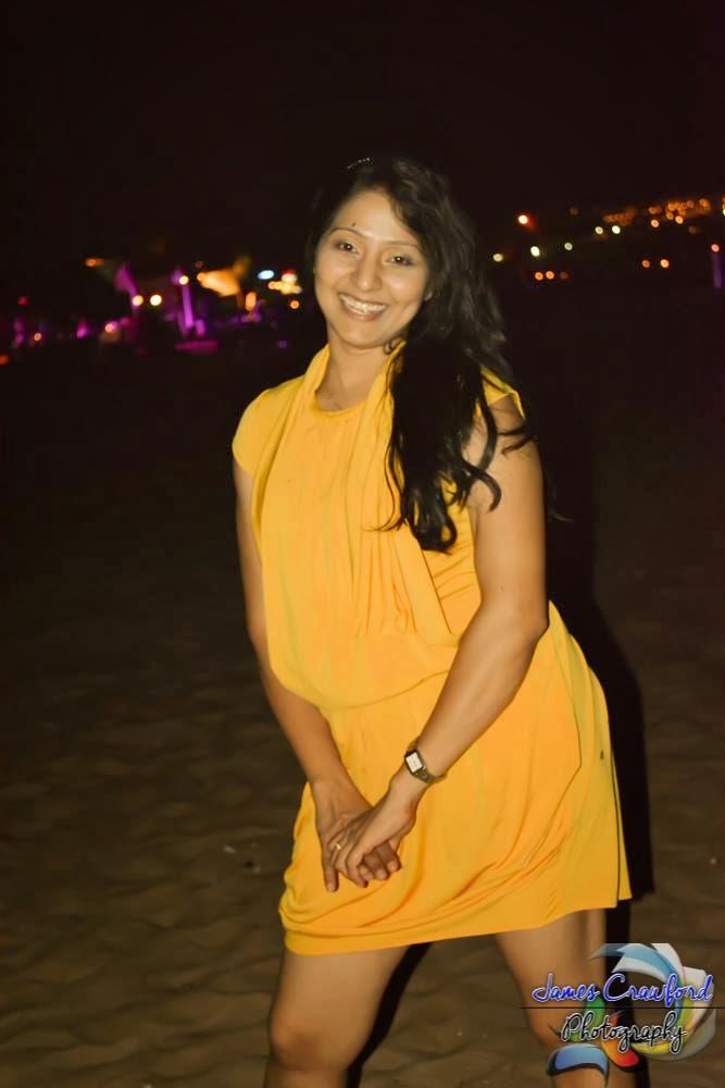 Udayanthi Kulathunga hot yellow short dress
