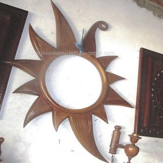 Cermin Dinding Kayu Jati