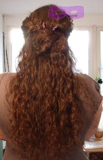 Chignon+flou+pour+cheveux+boucles+2+versions+demi-chignon+dutt+halb
