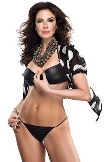 Luciana Gimenez de biquini, coroa gostosa, celebridade, apresentadora gostosa