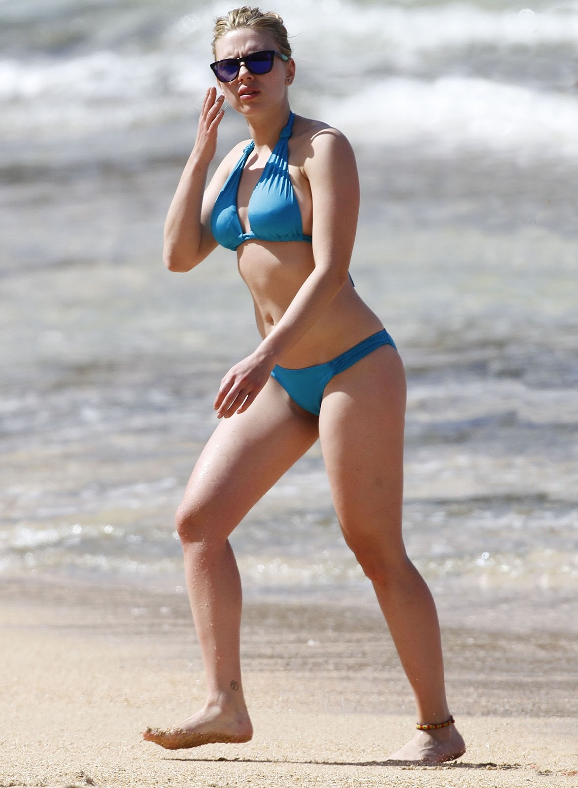 Scarlett Johansson Bikini Pictures | HOT CELEBRITIES ALL OVER THE