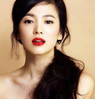Song Hye Kyo Artis Korea Paling Terkenal 2015