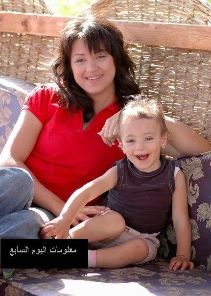 مروة عبدالمنعم وابنها