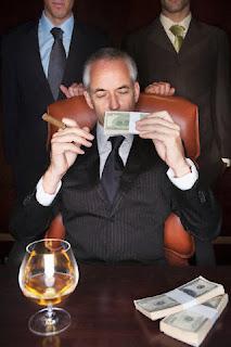 el dios dinero dominando el mundo por la ambición de poder
