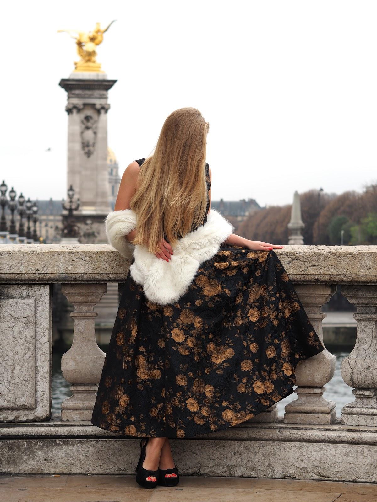 Blonde girl, Katie Matthews, KALANCHOE wearing Charlet Jacquard Dress by Ted Baker, 40's style