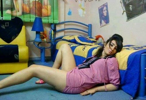 Super Sexy Desi Hostel Girl Sexy Long Legs