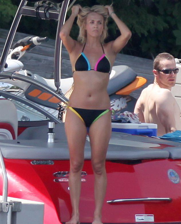 Carrie Underwood Bikini Body Pictures