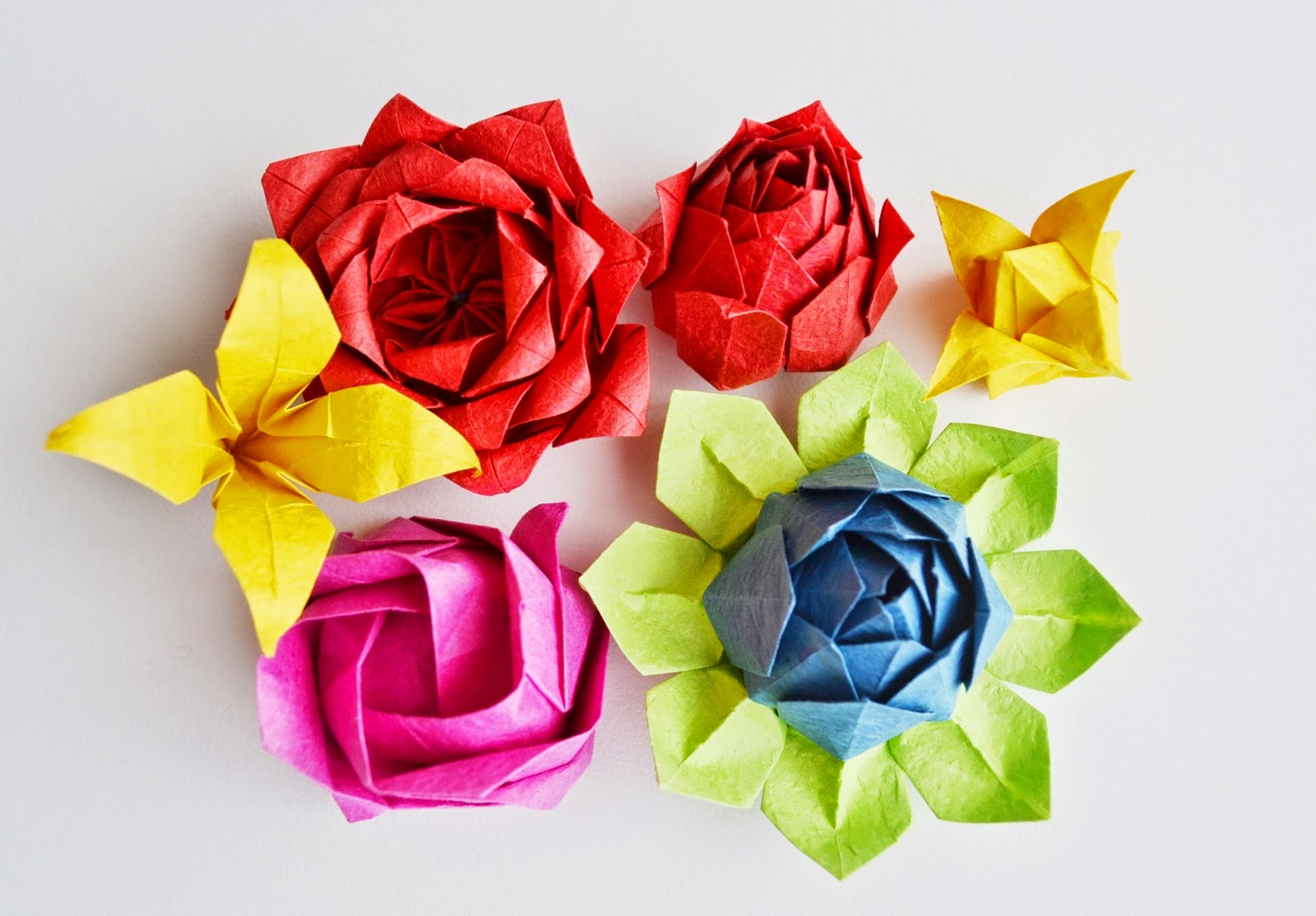 Katla kk eyler origami gller ii yine de geen gn bir akam youtubeda bir video bulup kolay grnen bir versiyonunu denedim mightylinksfo