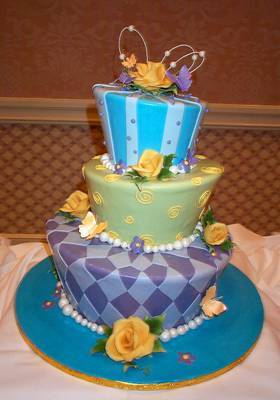 I Like The Topsy Turvy Look To It Very Disney Am Still Debating On My Color Scheme But These Colors Seem Go Nicely This Cake