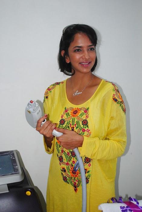 Lakshmi Prasanna @ Livlife Hospitals Function Photo Set - N/W  Lakshmi-Prasanna-at-Livlife-Hospitals_025
