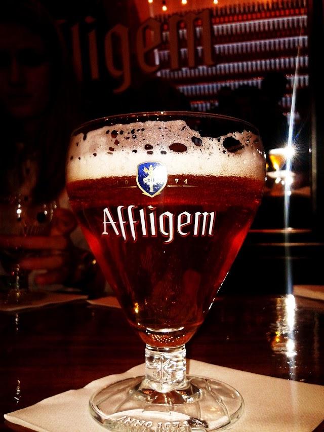 Uma Cerveja e um Corte de Cabelo - reservarecomendada.blogspot.pt
